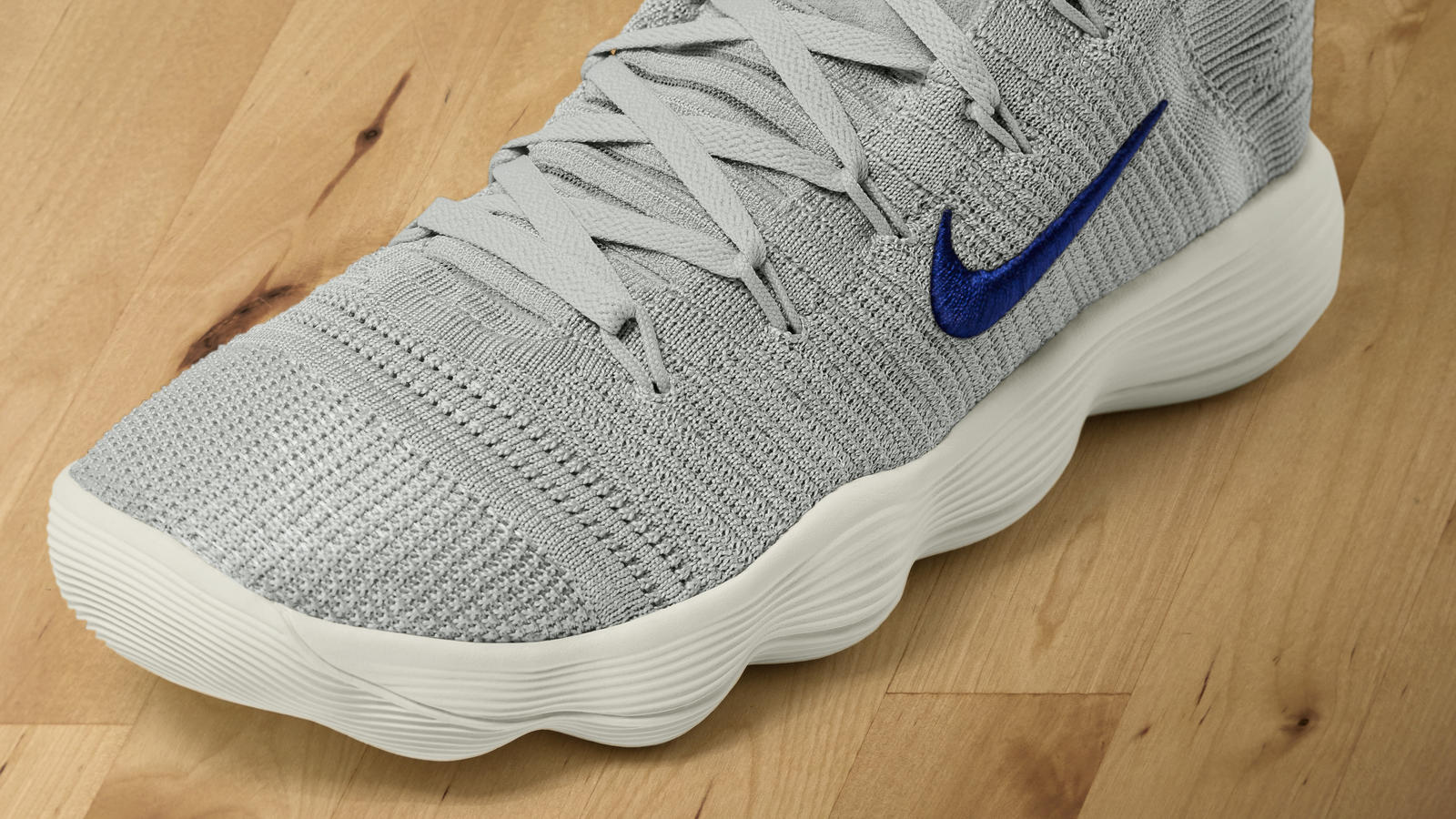 0d2e9707aaff1 Nike has released a new version of the Hyperdunk that combines the its  current favourite